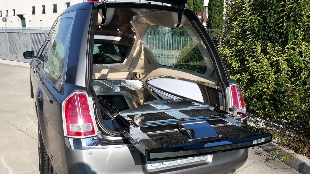 hearse Revon of mechanical Lancia Chrysler 09