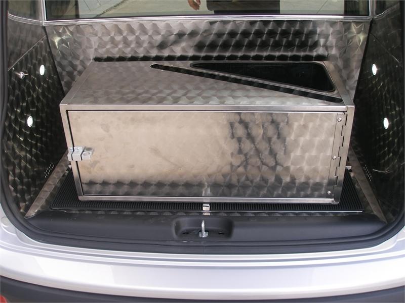 le soutien des funérailles de véhicules sur Fiat mécanique