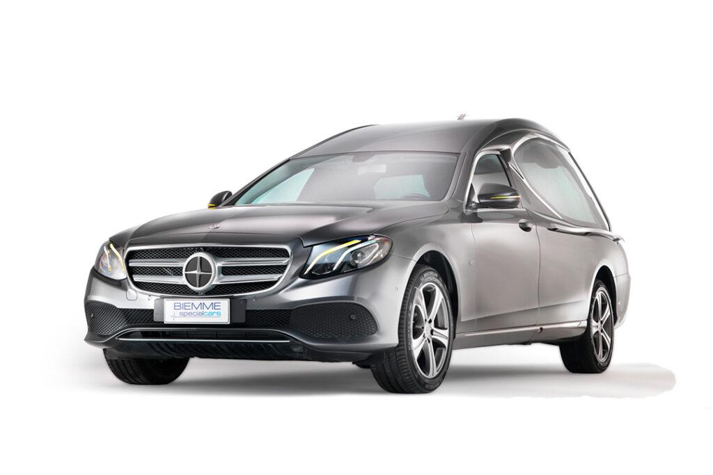 Compact_hearse_meccanical_Mercedes_Benz_E_Class_02